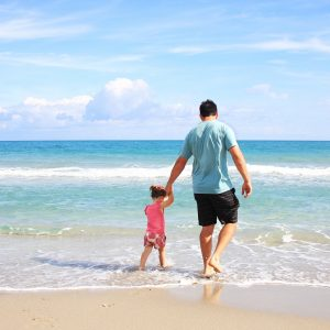 father-daughter-beach-sea-38302 (1)